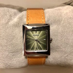 ! New DKNY Watch - leather / metallic face